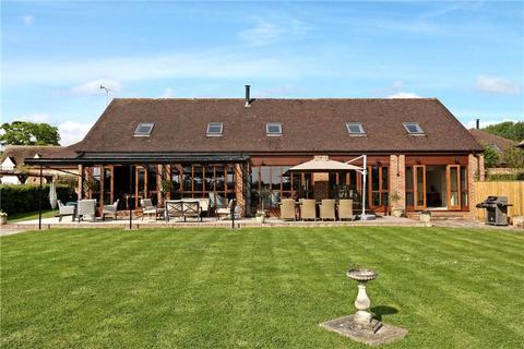 4 bedroom barn conversion to rent - Kimblewick Road, Great Kimble, Aylesbury, Buckinghamshire, HP17