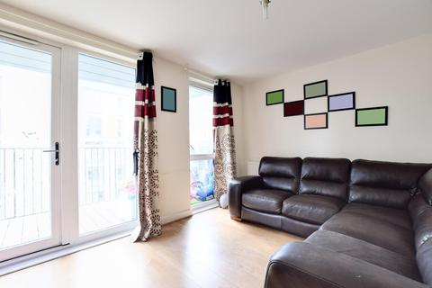 2 bedroom flat to rent - Hitherwood Court, Charcot Road, London, NW9 5YW