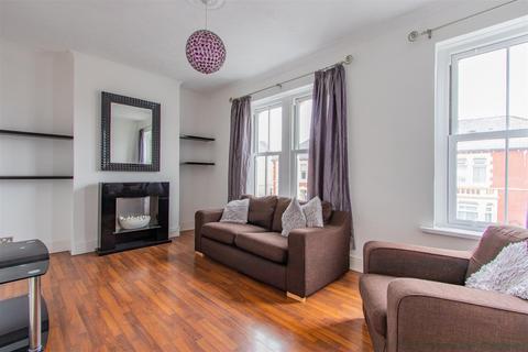 2 bedroom flat to rent - Blaenclydach Street, Grangetown