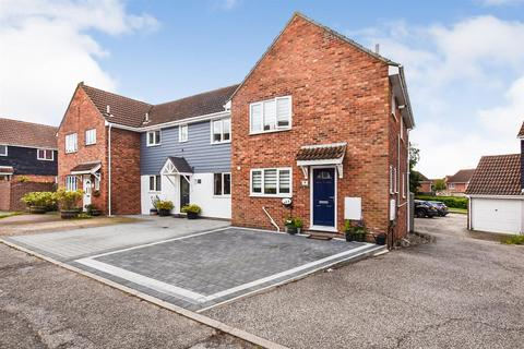 3 bedroom end of terrace house for sale - Fremantle Close, South Woodham Ferrers