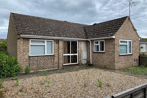 2 bedroom semi-detached bungalow for sale - Girton Close, Mildenhall