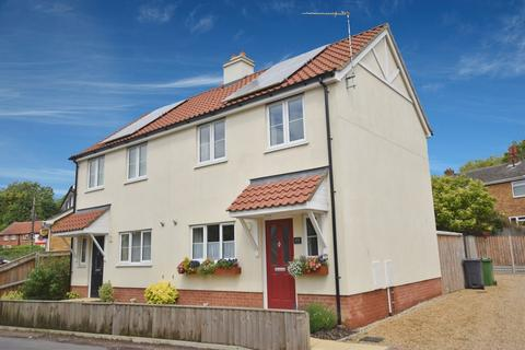 3 bedroom semi-detached house to rent - Crown Road, Buxton