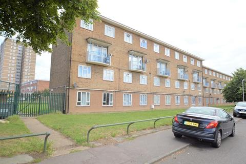 2 bedroom maisonette for sale - Trefgarne Road, Dagenham