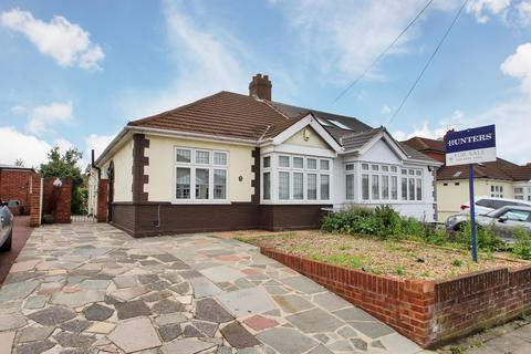 3 bedroom semi-detached bungalow for sale - Leechcroft Avenue, Sidcup, Kent, DA15 8RS