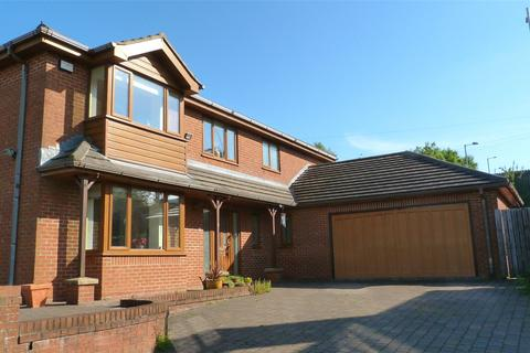 4 bedroom detached house to rent - Crown Meadows, Bacup, Lancashire, OL13