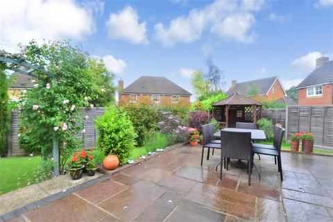 4 bedroom detached house for sale - Turners Close, Southwater, Horsham, West Sussex