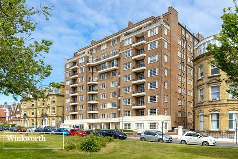 1 bedroom flat for sale - Grand Avenue, Hove, East Sussex, BN3