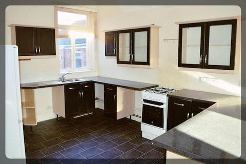 2 bedroom flat to rent - Hessle Road, Hull, HU3 3SB