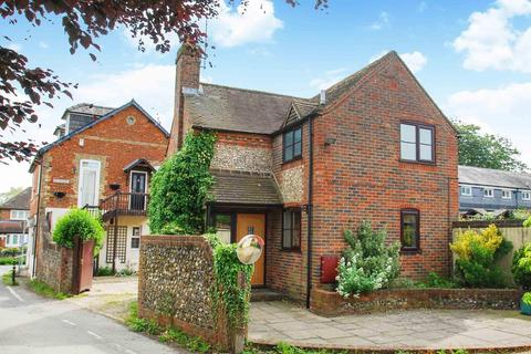 3 bedroom detached house for sale - Church Road, Penn, HP10