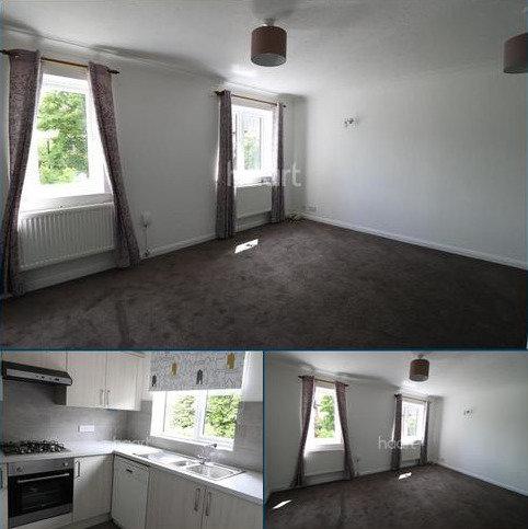 3 bedroom detached house to rent - Littlebrook Avenue, Burnham