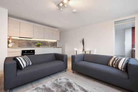 3 bedroom flat to rent - Edgecot Grove, London, N15