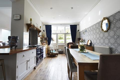 5 bedroom semi-detached house to rent - Cornwall Gardens, Brighton, BN1