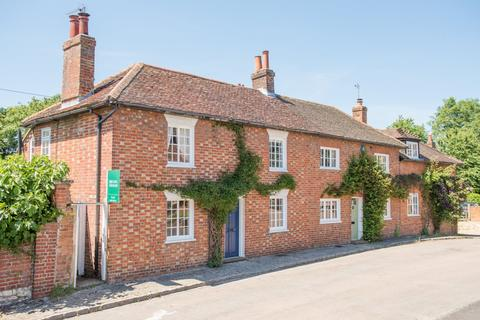 3 bedroom semi-detached house for sale - High Street, Weedon, Aylesbury, Buckinghamshire, HP22