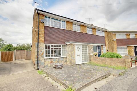 3 bedroom semi-detached house for sale - Surridge Close, RAINHAM, Essex