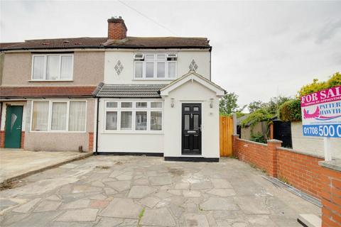3 bedroom semi-detached house for sale - Beechwood Gardens, Rainham, Essex