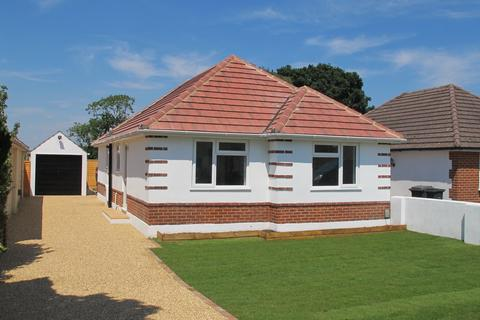3 bedroom bungalow to rent - Markham Avenue, Bournemouth, Dorset