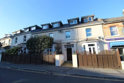 3 bedroom flat to rent - Norwich Avenue, Bournemouth, Dorset
