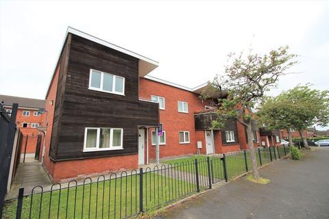 2 bedroom flat to rent - Barnfield Walk, Altrincham, WA15