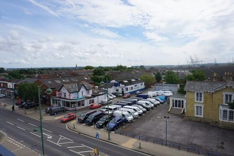 2 bedroom apartment to rent - Shirley Road, Southampton