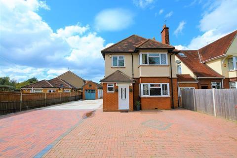 3 bedroom detached house for sale - Upton Road, Slough SL1