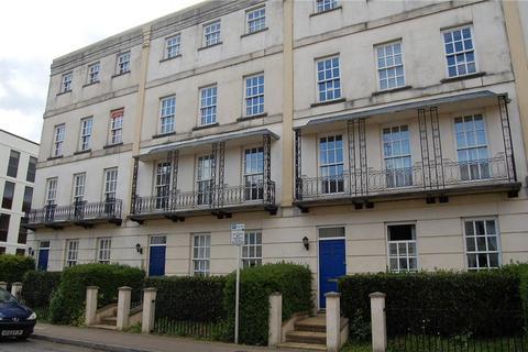 2 bedroom flat to rent - 7a Buckingham Court, Wellington Street, CHELTENHAM