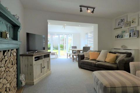 4 bedroom semi-detached house for sale - Newman Avenue, Beverley