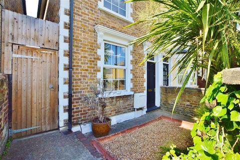 2 bedroom semi-detached house for sale - Park Street, Slough