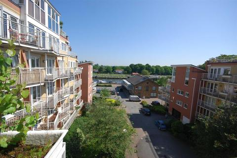 1 bedroom flat to rent - Fairmile House, 30 Twickenham Road