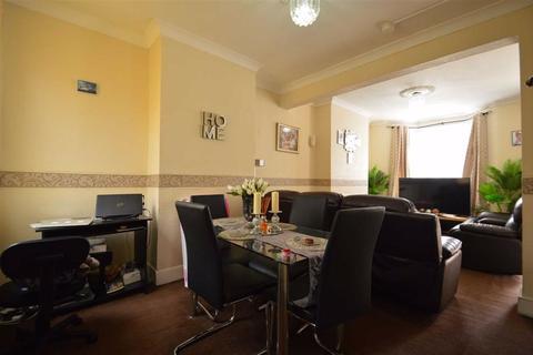 2 bedroom terraced house for sale - Kingsland Road, London, E13