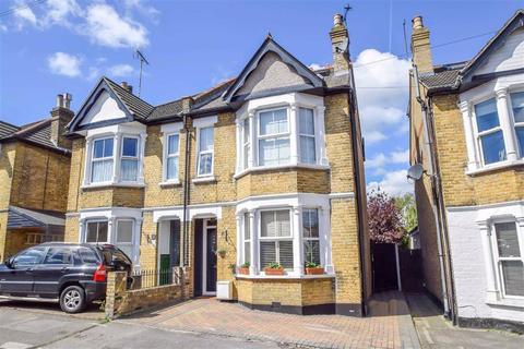 3 bedroom semi-detached house for sale - Lymington Avenue, Leigh-on-sea, Essex