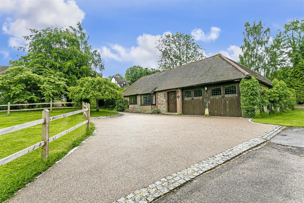 Bungalow farm close chipstead 101.jpg