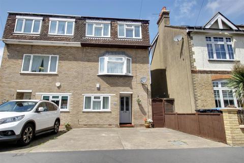 3 bedroom semi-detached house for sale - Garnault Road, Enfield