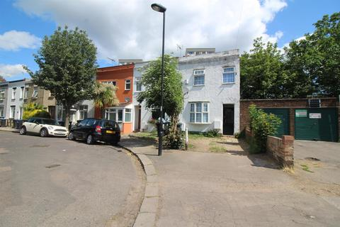 2 bedroom end of terrace house for sale - St. Stephens Road, Enfield