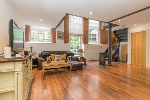 2 bedroom apartment to rent - Scholars Gate, Severn Street, B1 1QG