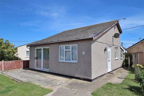 2 bedroom detached bungalow for sale - Colne Way, Point Clear