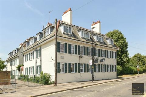 3 bedroom apartment to rent - Marish Court, High Street, Langley, SL3