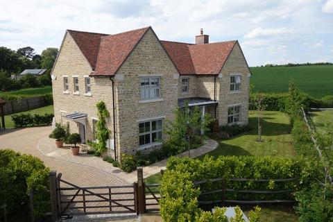 4 bedroom detached house to rent - Chearsley
