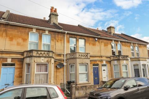 2 bedroom terraced house - Crandale Rd, Oldfield Park, Bath