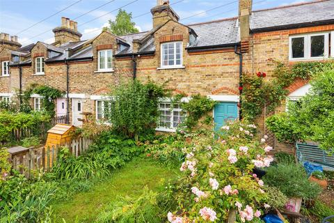 2 bedroom terraced house for sale - Commondale, SW15