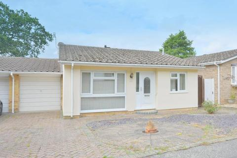 2 bedroom detached bungalow for sale - Potters Way, Lower Parkstone, Poole, BH14 8QG