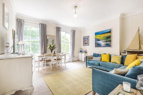 2 bedroom flat for sale - St. Philip Square, Battersea