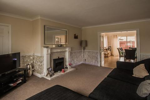 3 bedroom semi-detached house for sale - Woburn Drive, Waterloo, Huddersfield