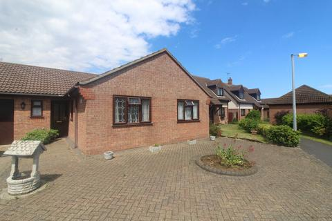 3 bedroom detached bungalow to rent - tyne mews, Caister-on-sea