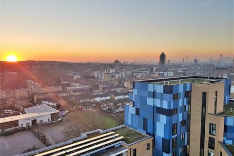 2 bedroom flat for sale - Parkside Avenue, London, SE10 8FN