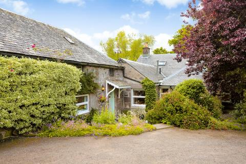 4 bedroom farm house for sale - Knockieston, By Crieff, Perthshire, PH7 4HS