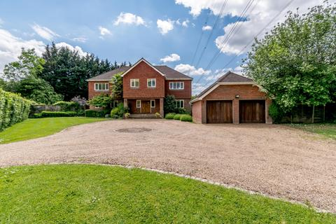 5 bedroom detached house for sale - Bedford Road, Moor Park