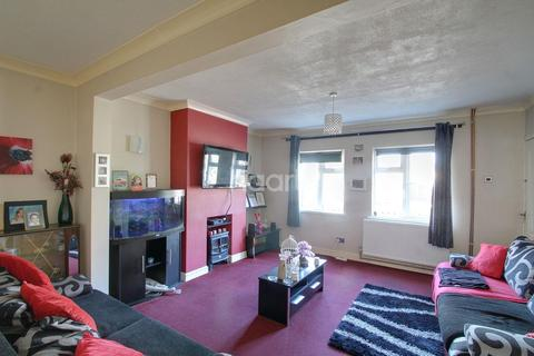 4 bedroom end of terrace house for sale - Willesden Avenue, Walton, Peterborough, PE4