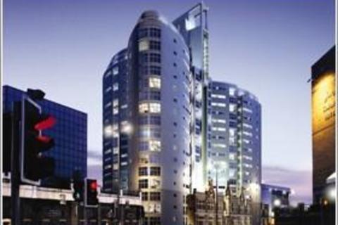 1 bedroom apartment to rent - Altolusso, Bute Terrace, Cardiff