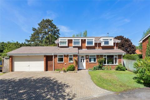 4 bedroom detached house for sale - The Chestnuts, Shiplake, Henley-on-Thames, RG9