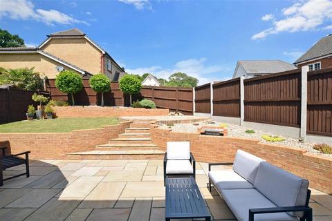 4 bedroom detached house for sale - Whitebeam Close, Godinton Park, Ashford, Kent